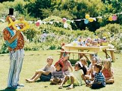 英国のパーティ 「4歳-8歳位の子供たちの誕生日パーティ」