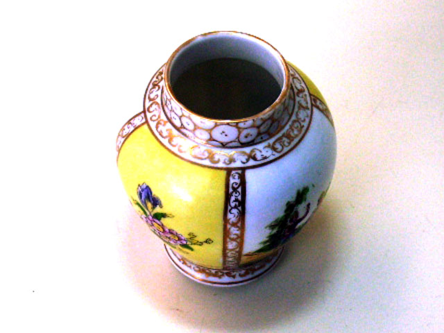 ドレスデン風 壺(小) アンティーク マイセン・ドレスデン コレクション