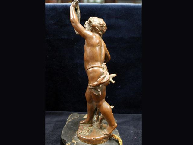 エンジェル 1体スタンド FERRAND作 Ernest Justin Ferrand (1846-1932) アンティーク ランプ(すでに組み合わせられている照明)