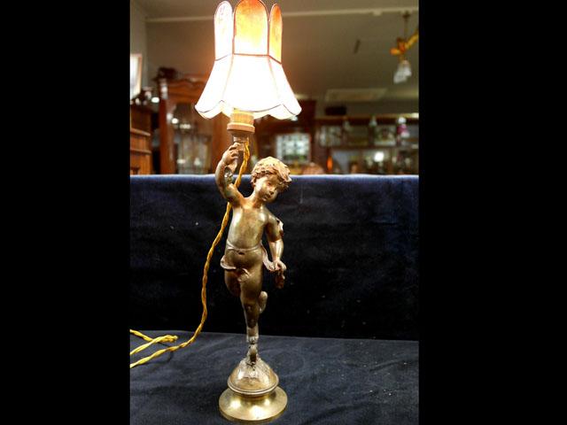 エンジェル Marcel Debut (French, 1865-1933) ペア アンティーク ランプ(すでに組み合わせられている照明)