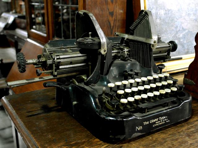 OLIVER タイプライター アンティーク 機械もの