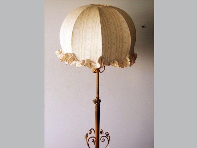 ランプスタンド(傘付き) アンティーク ランプ(すでに組み合わせられている照明)
