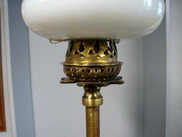 オイルランプスタンド 伸縮可(シェード付き) アンティーク ランプ(すでに組み合わせられている照明)