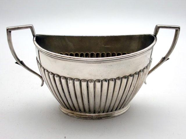シルバープレート シュガーポット(中) アンティーク 銀・銅製品ほか