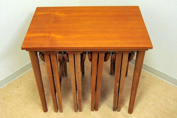 ネストテーブル(収納丸テーブル×4) アンティーク テーブル・ダイニングセット