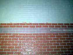 ドールハウス用ステンシルの上から外壁材を塗る1