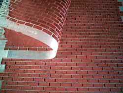 ドールハウス用ステンシルの上から外壁材を塗る3