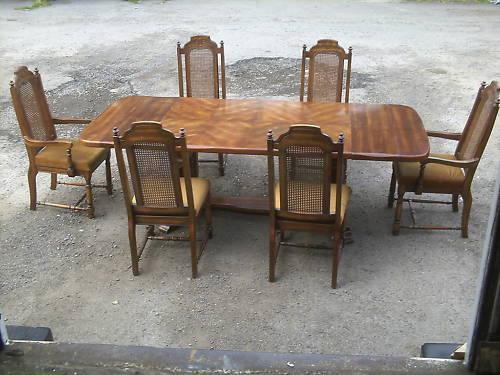 テーブル(伸長式)+チェアー6脚セット