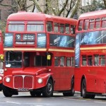 赤い2階建てロンドン・バス 「ルートマスター」
