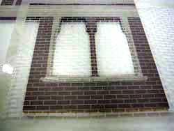 ドールハウス用ステンシルを貼る