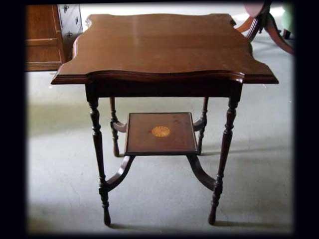 ホールテーブル